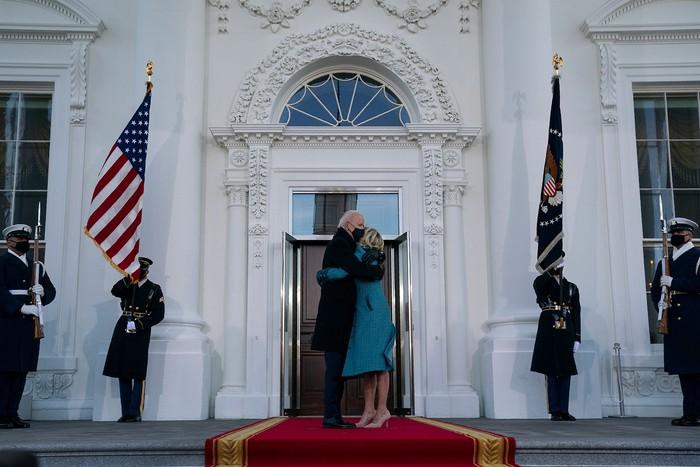 Những hình ảnh ấn tượng trong Lễ nhậm chức của tân Tổng thống Hoa Kỳ Joe Biden - Ảnh 1.