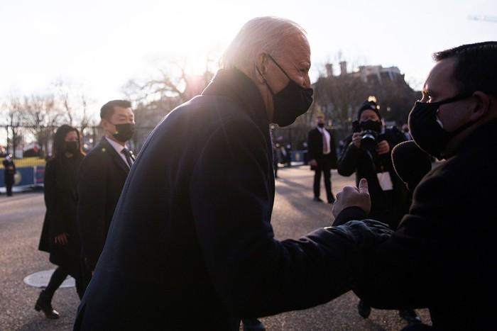Những hình ảnh ấn tượng trong Lễ nhậm chức của tân Tổng thống Hoa Kỳ Joe Biden - Ảnh 3.
