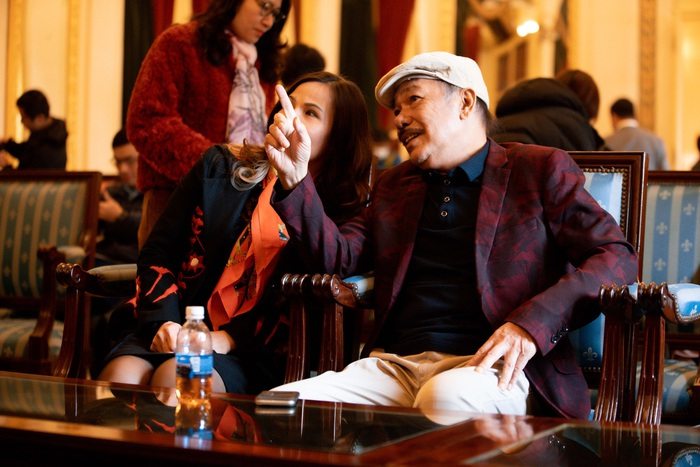 """Sau tin đồn qua đời, nhạc sĩ Trần Tiến xuất hiện, """"thách"""" vật tay với thanh niên - Ảnh 11."""