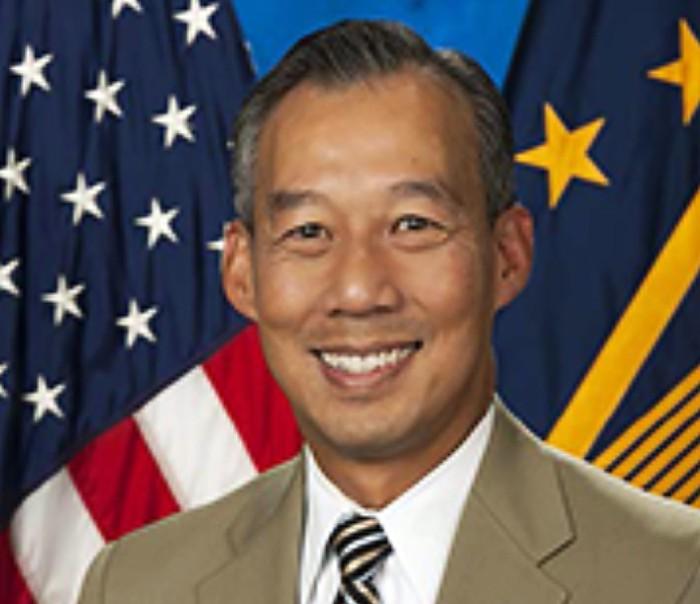 Tân tổng thống Biden bổ nhiệm người gốc Việt làm quyền bộ trưởng - Ảnh 1.