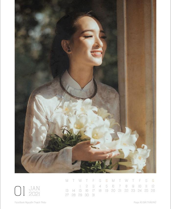 Lịch ảnh Áo dài Thảo Nữ ghi lại vẻ đẹp rạng ngời của phụ nữ và cảnh trí Việt Nam - Ảnh 2.