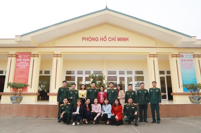 Hội LHPN Việt Nam - chúc Tết - Tiểu đoàn Phủ Thông