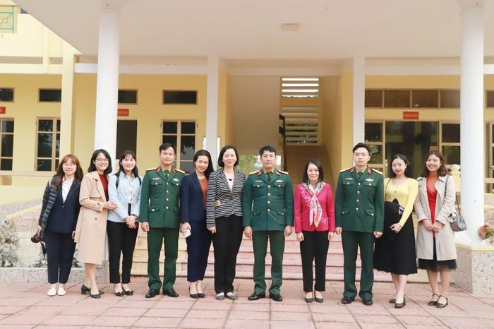 TƯ Hội LHPN Việt Nam chúc Tết cán bộ, chiến sĩ Tiểu đoàn Phủ Thông và Bình Ca - Ảnh 6.