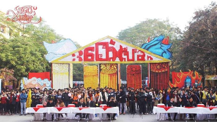 Sinh viên ĐH Kinh tế quốc dân với những trải nghiệm xưa trong Hội chợ Tết - Ảnh 1.