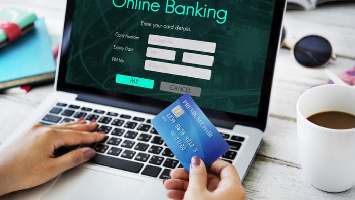 Những điều cần lưu ý khi giao dịch ngân hàng dịp cuối năm - Ảnh 3.