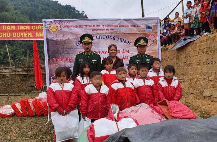 Bộ đội biên phòng Sơn La: Nhiều hoạt động vui Xuân ấm cùng bà con các dân tộc biên giới    - Ảnh 4.