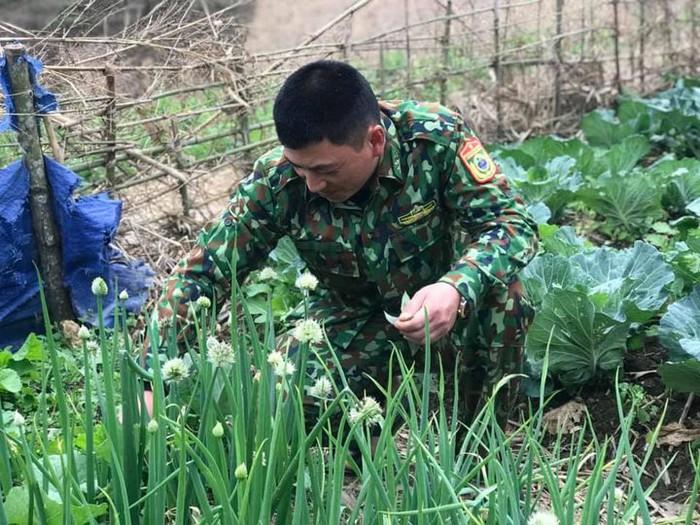 Bộ đội biên phòng sẵn sàng ăn cái Tết thứ 2 tại chốt chống dịch  - Ảnh 2.