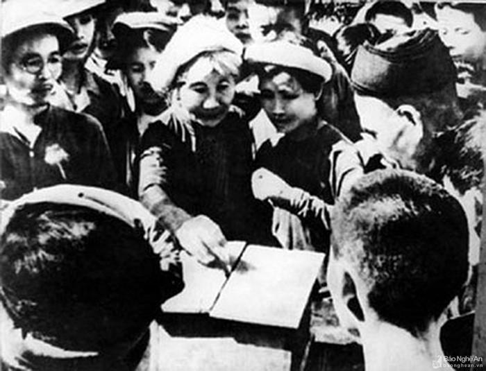 Kỷ niệm 75 năm ngày tổng tuyển cử đầu tiên của Quốc hội (6/1/1946 - 6/1/1945): Dấu ấn về quyền bầu cử của phụ nữ Việt Nam - Ảnh 1.