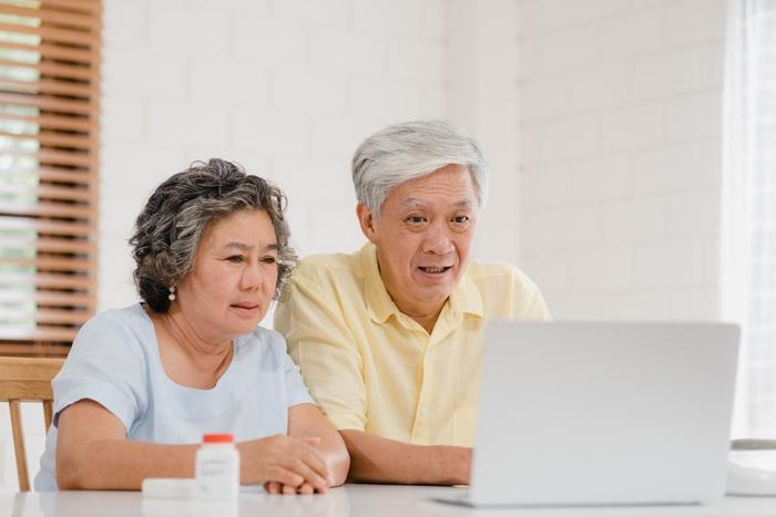Cuộc sống của cha mẹ già trong xã hội hiện đại - Ảnh 1.