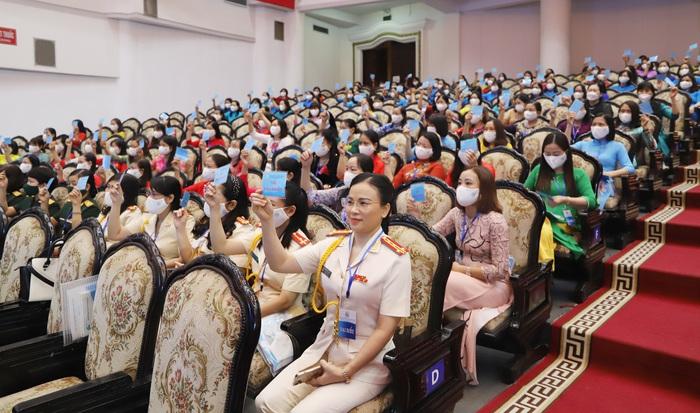 Bà Trần Thị Định tái đắc cử Chủ tịch Hội LHPN tỉnh Nam Định nhiệm kỳ 2021-2026 - Ảnh 1.