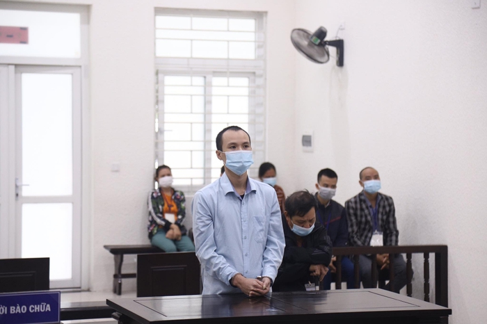 Bố con Huy tại phiên tòa sơ thẩm