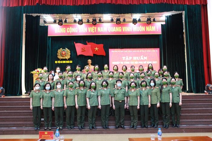 Phụ nữ Học viện An ninh nhân dân và Bộ Tư lệnh cảnh vệ tập huấn nghiệp vụ công tác Hội năm 2021 - Ảnh 2.