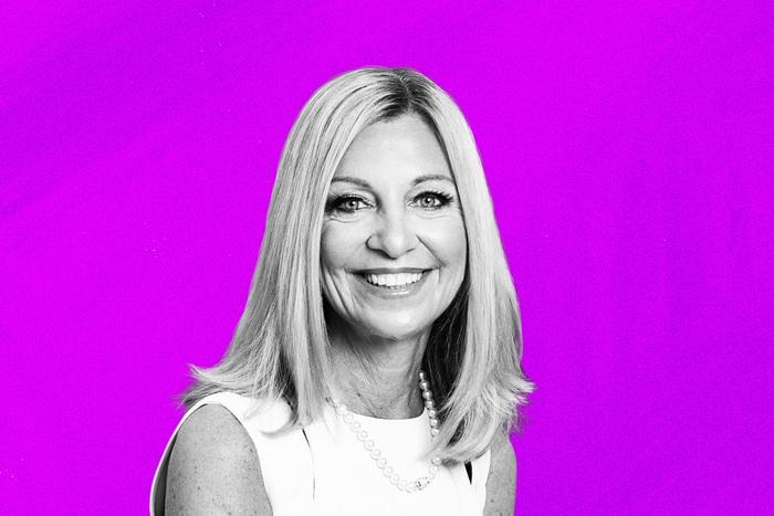 Top 10 phụ nữ quyền lực nhất giới kinh doanh năm 2021  - Ảnh 1.