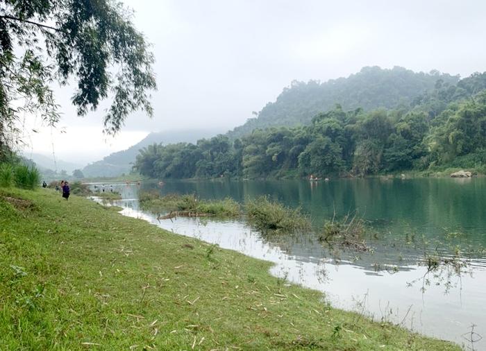 Vụ lật thuyền khiến 4 học sinh đuối nước ở Hà Giang: Nỗi đau người ở lại! - Ảnh 3.