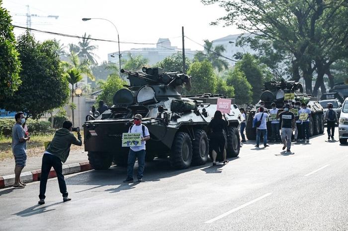 Myanmar - biểu tình