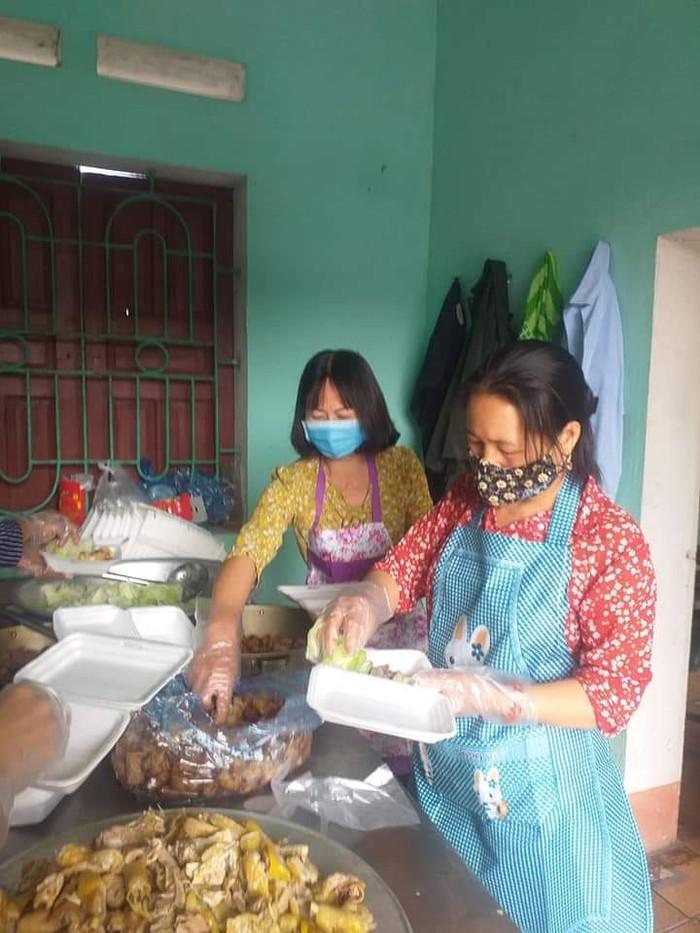 Phụ nữ Bắc Giang vận động gần 450 triệu đồng ủng hộ phòng, chống dịch Covid-19 - Ảnh 2.