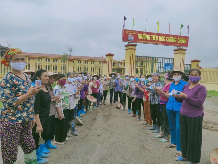 Hội LHPN Hưng Yên giúp hội viên, phụ nữ chủ động phòng chống dịch Covid-19 - Ảnh 1.