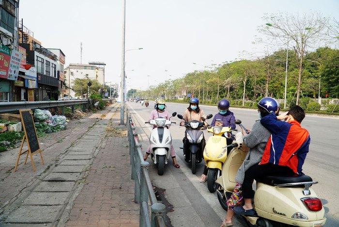 """Hà Nội: Chục tấn nông sản Hải Dương hết vèo, hàng trăm người đến """"giải cứu"""" phải quay trở về - Ảnh 5."""