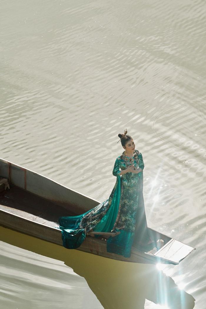 Á hậu Lý Kim Thảo quảng bá di sản qua tà áo dài - Ảnh 9.