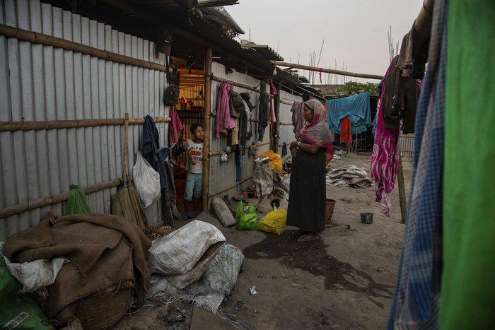 Cuộc sống thường ngày của một cậu bé nhặt rác ở Ấn Độ - Ảnh 14.
