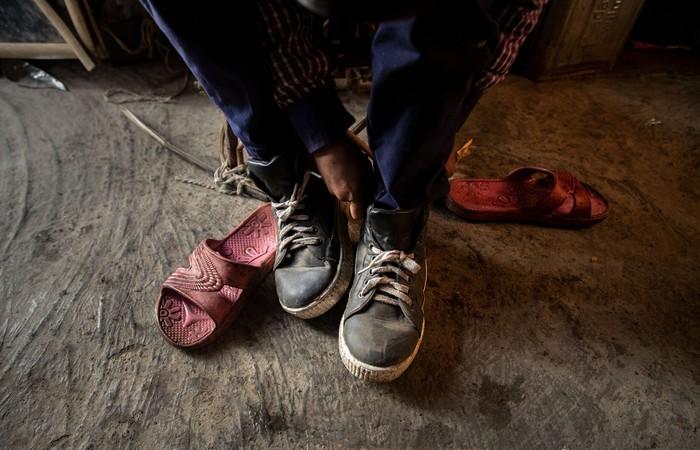 Cuộc sống thường ngày của một cậu bé nhặt rác ở Ấn Độ - Ảnh 4.
