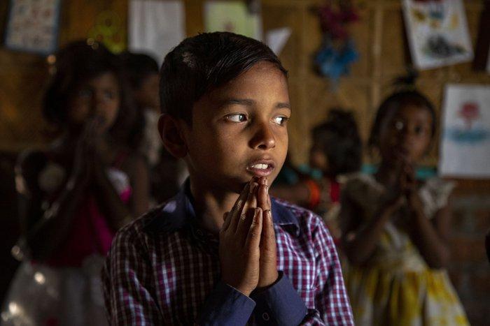 Cuộc sống thường ngày của một cậu bé nhặt rác ở Ấn Độ - Ảnh 6.