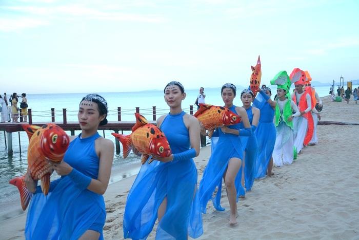 Đến Phú Quốc ngắm hoàng hôn, đi bộ dưới biển ngắm san hô  - Ảnh 6.