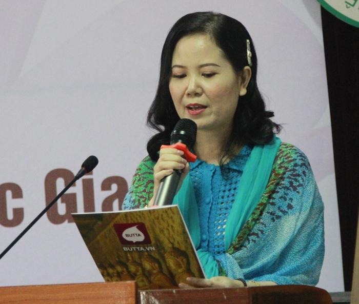 Mạng xã hội Phật giáo trao tặng 50 bức tranh cho BV Đa khoa Đức Giang - Ảnh 1.