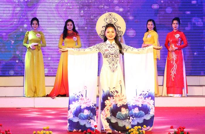 """Hà Tĩnh: Trao giải cuộc thi """"Duyên dáng áo dài qua ảnh"""" - Ảnh 4."""