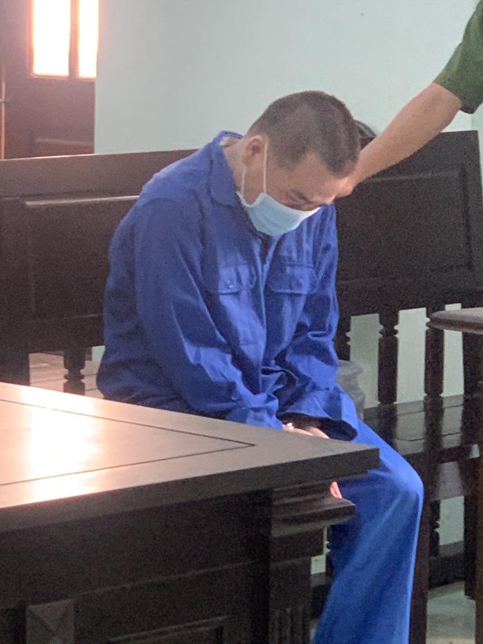 Thầy giáo xâm hại tình dục 4 học sinh nam bị phạt 7 năm tù - Ảnh 1.