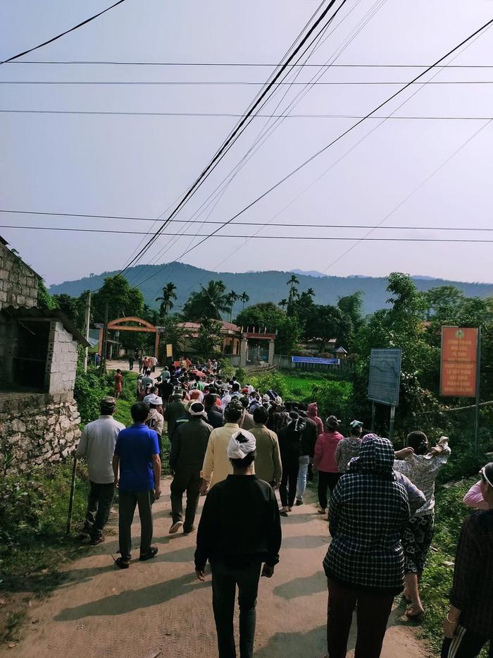 Vụ tai nạn khiến 7 người tử vong ở Thanh Hóa: Quặn thắt tiếng con thơ gọi mẹ - Ảnh 3.