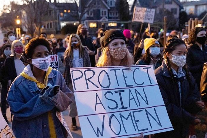 """""""Virus kỳ thị"""" người châu Á tác động nặng nề hơn với phụ nữ - Ảnh 2."""
