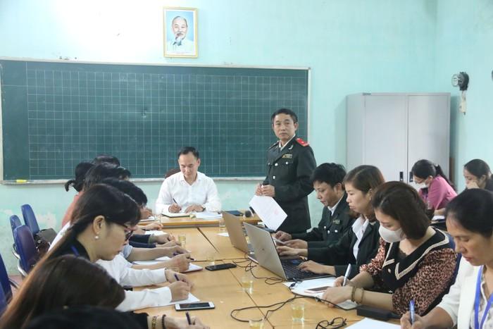 Ông Nguyễn Đức Uy - Chánh Thanh tra huyện Quốc Oai công bố quyết định thanh tra.