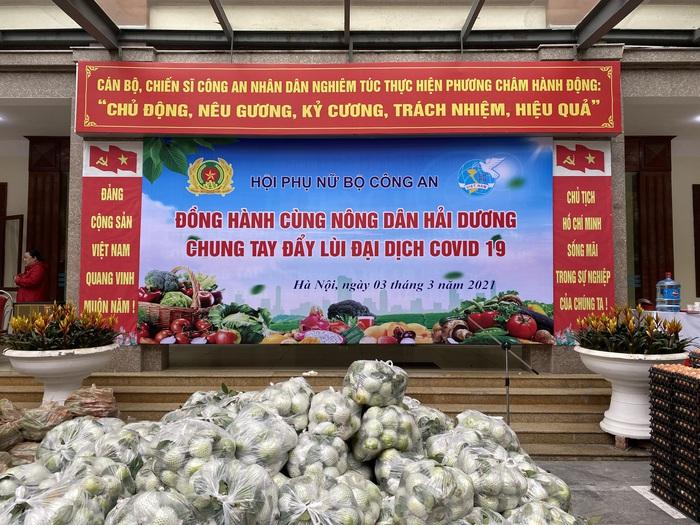 """Hội Phụ nữ Bộ Công an chung tay """"giải cứu"""" nông sản Hải Dương - Ảnh 3."""