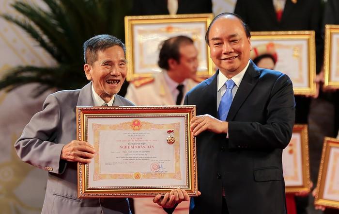 Nghệ sĩ Trần Hạnh nhận danh hiệu NSND năm 2019