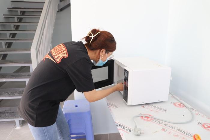 Cận cảnh ký túc xá miễn phí dành cho nữ sinh viên khó khăn tại TPHCM - Ảnh 2.
