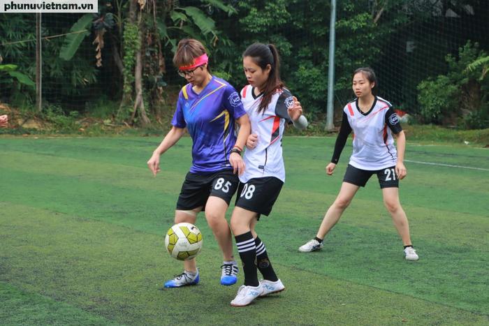 Hội LHPNVN vô địch giải bóng đá nữ Đoàn Thanh niên  khối các cơ quan Trung ương - Ảnh 1.