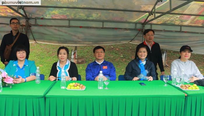 Hội LHPNVN vô địch giải bóng đá nữ Đoàn Thanh niên  khối các cơ quan Trung ương - Ảnh 2.
