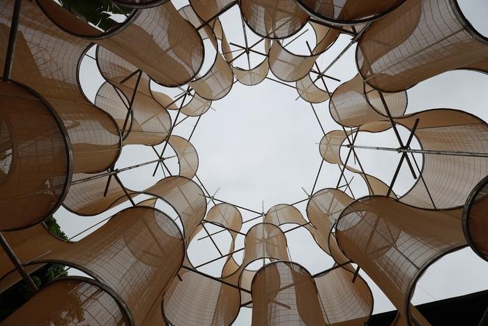 """Khu Pavilion tạo hình con lốc xoáy từ vật liệu mành tre truyền thống, điểm đến cuối hành trình của triển lãm """"Lộ"""""""