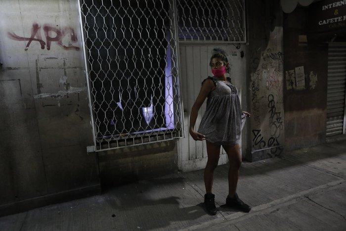 """Bị đại dịch """"dồn vào đường cùng"""", phụ nữ Mexico quay lại con đường mại dâm - Ảnh 15."""
