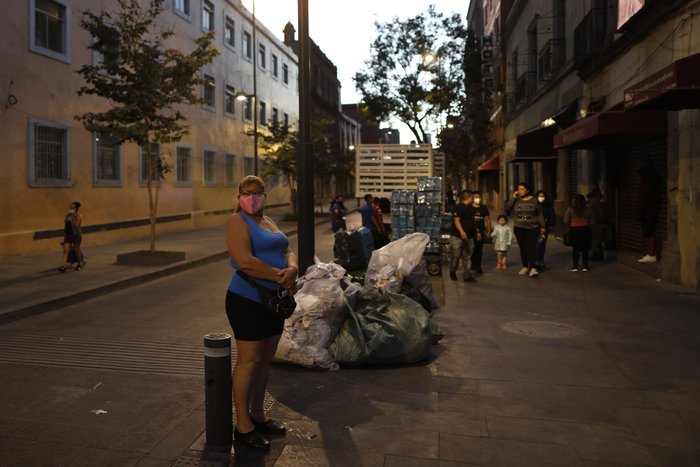"""Bị đại dịch """"dồn vào đường cùng"""", phụ nữ Mexico quay lại con đường mại dâm - Ảnh 16."""