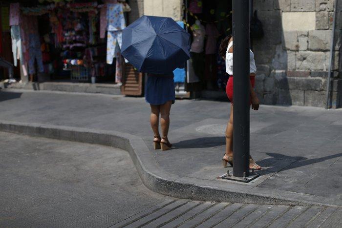 """Bị đại dịch """"dồn vào đường cùng"""", phụ nữ Mexico quay lại con đường mại dâm - Ảnh 8."""