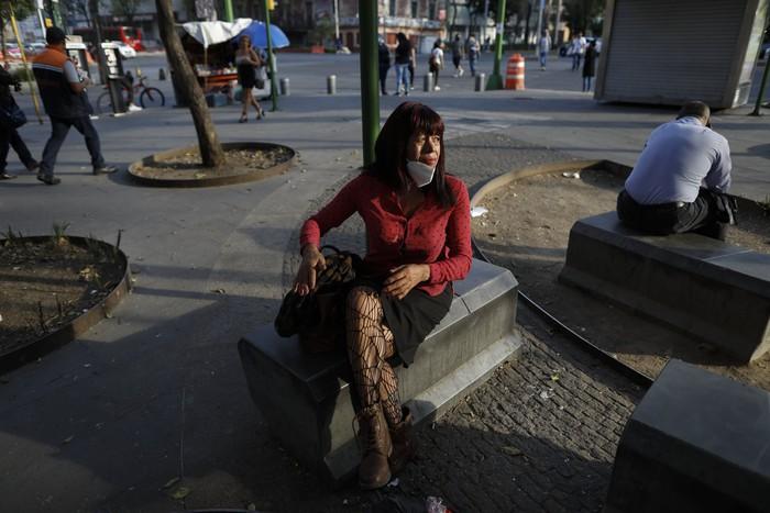 """Bị đại dịch """"dồn vào đường cùng"""", phụ nữ Mexico quay lại con đường mại dâm - Ảnh 2."""