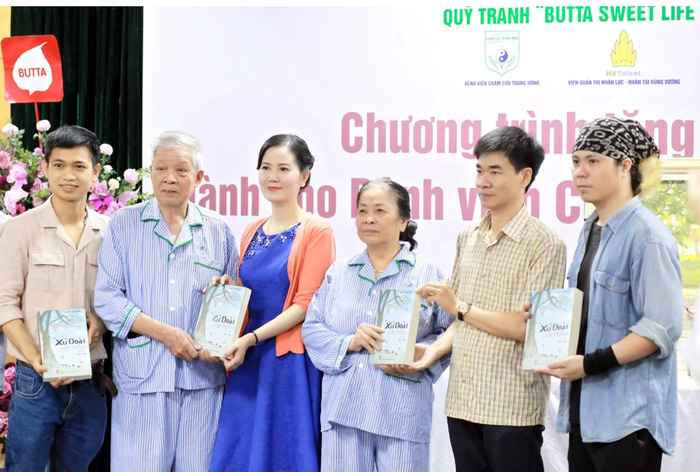 Quỹ tranh Butta sweet life trao tặng 35 bức tranh cho BV Châm cứu TƯ - Ảnh 3.