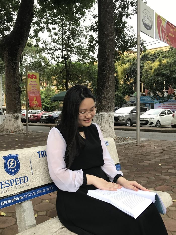 Cô sinh viên Thủy Lợi với bộ sưu tập các giải thưởng toán học - Ảnh 1.