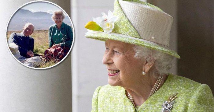 Nữ hoàng Anh Elizabeth II  - Hoàng thân Philip