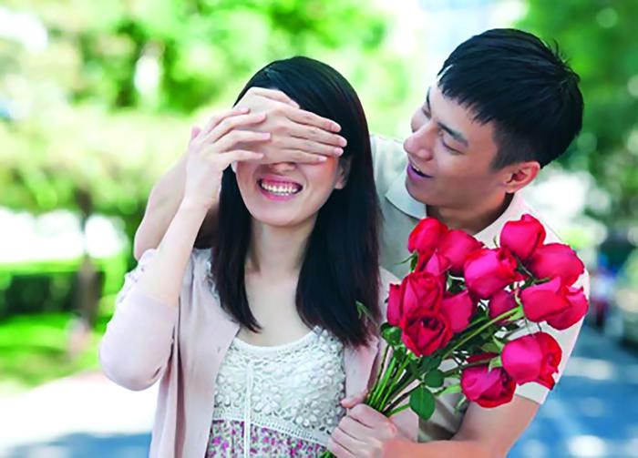 Chồng luôn coi vợ như đứa trẻ bướng bỉnh - Ảnh 1.