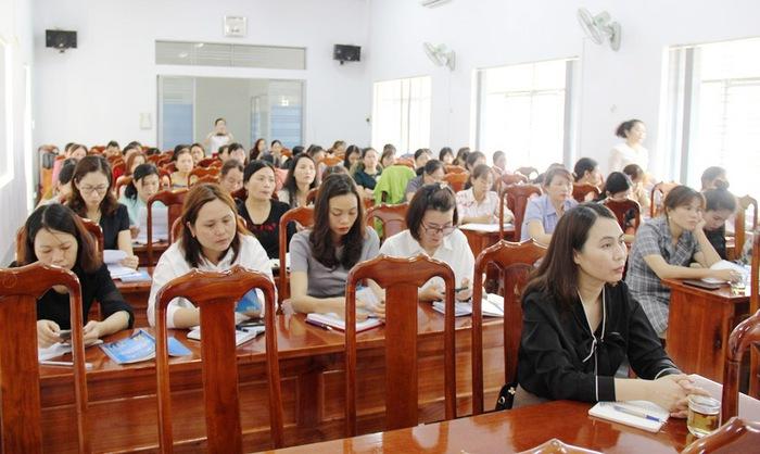 Đắk Lắk: Tập huấn cho đại biểu nữ tham gia ứng cử HĐND các cấp nhiệm kỳ 2021-2026 - Ảnh 1.