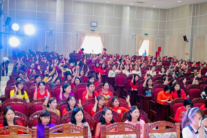 Hội LHPN tỉnh Vĩnh Phúc tổ chức thành công Đại hội điểm cấp huyện  - Ảnh 2.