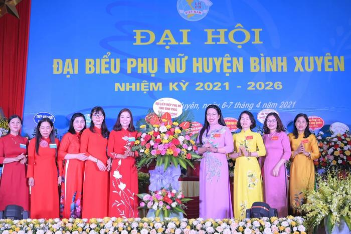 Hội LHPN tỉnh Vĩnh Phúc tổ chức thành công Đại hội điểm cấp huyện  - Ảnh 1.